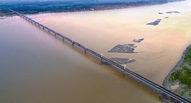 McElhanney bridge engineering team wins ACEC-BC Award of Merit for Veer Kunwar Singh Bridge